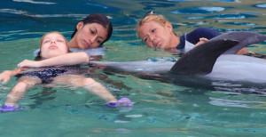 Лечение дельфинотерпией